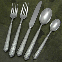 Heritage House's Ricci Aubudon's Bird of Paradise 20-Piece Flatware Set (4x5-Piece Place Set)