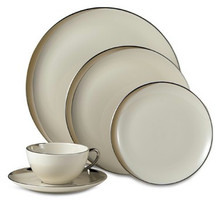 Pickard Crescent 5 Piece Place Setting