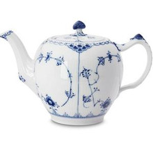 Royal Copenhagen Blue Fluted Half Lace Teapot 34 oz. (1102141)