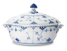 Royal Copenhagen Blue Fluted Half Lace Soup Tureen 67.75 oz. (1102181)