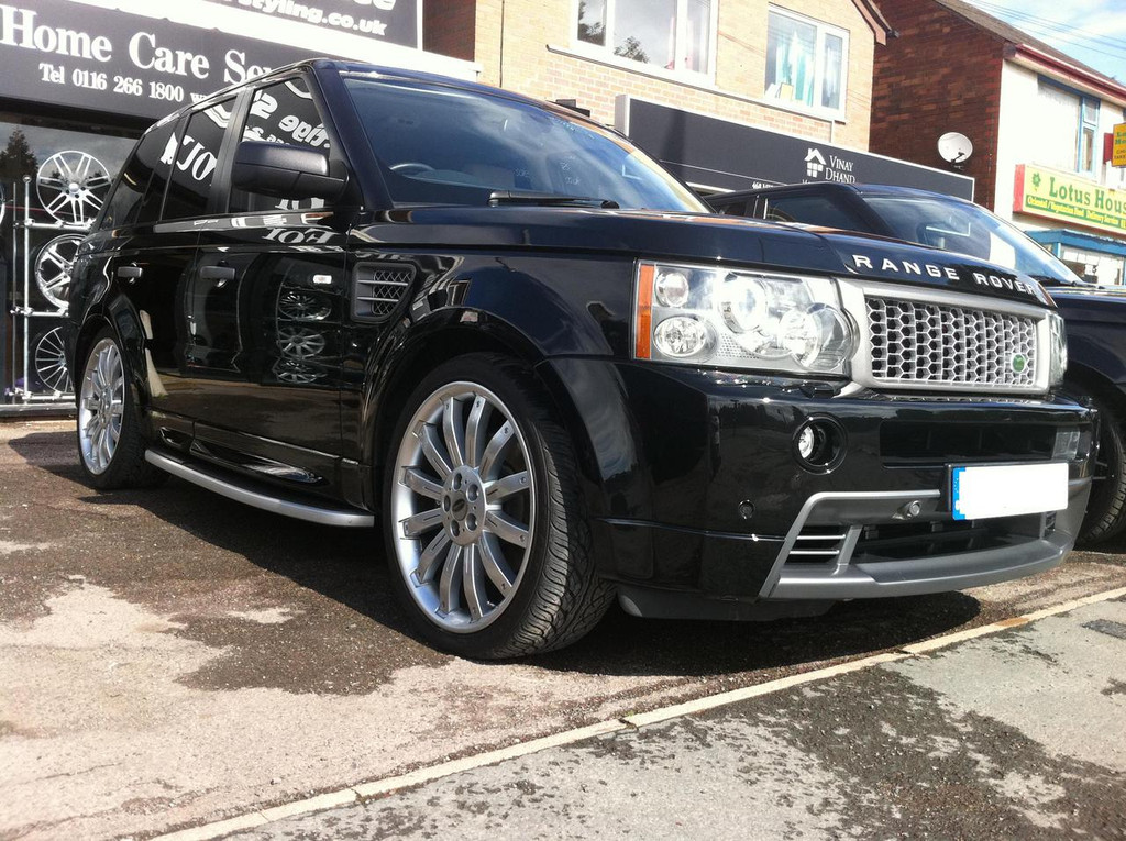range rover sport hst body kit genuine landrover parts. Black Bedroom Furniture Sets. Home Design Ideas