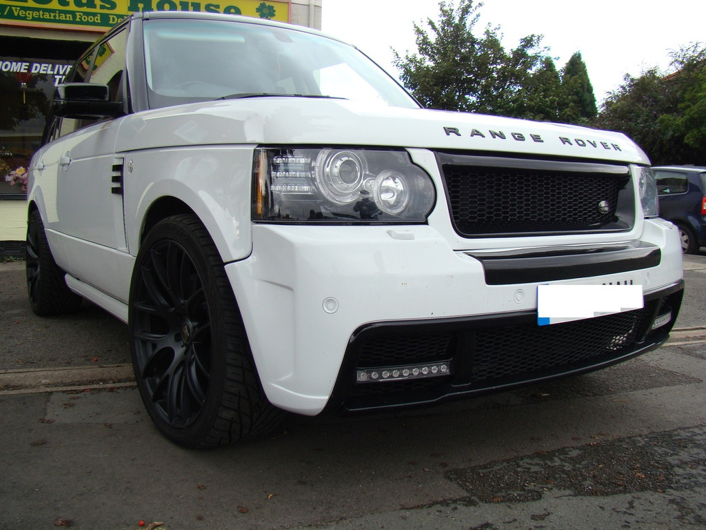 Range Rover Vogue L322 Meduza RS Front Bumper Body Kit
