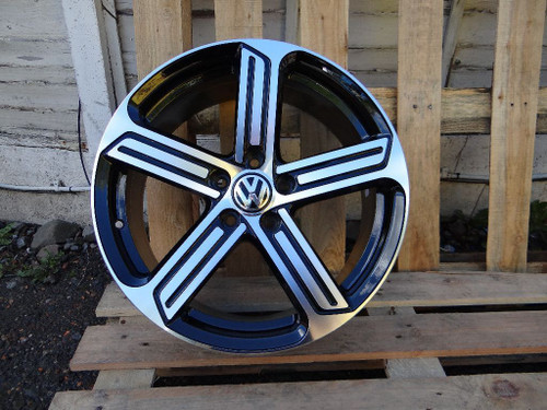"18"" Golf R Style Alloy Wheels"