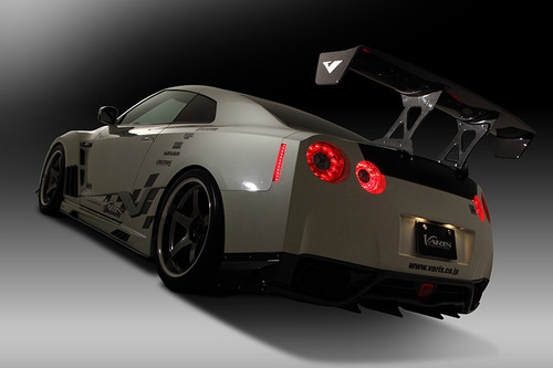 Nissan R35 GT-R Varis Body Kit