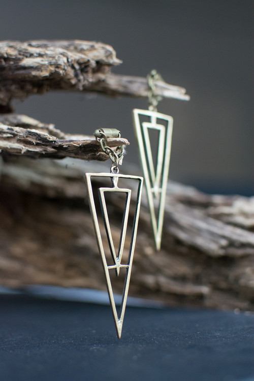Avant-Garde Triangle Magnetic Clasp Gauged Earrings