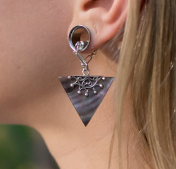 Black Mother of Pearl and Sterling Silver Magnetic Clasp Gauged Earrings