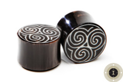 Horn Plugs with Tribal Spiral Pattern