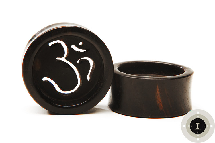 Ebony Wood Om, Aum Tunnels, Eyelets