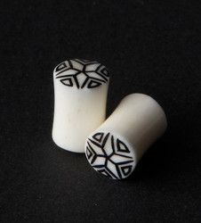Bone Plugs w/ Intricate Star