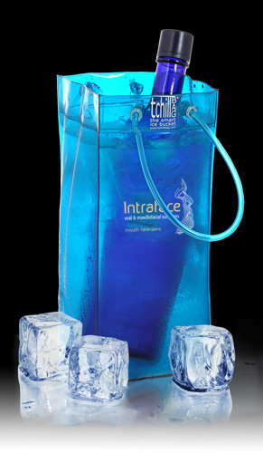 tchillbag-blue-intraface.jpg