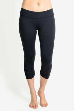 Goddess Yoga Capri Legging (Black)