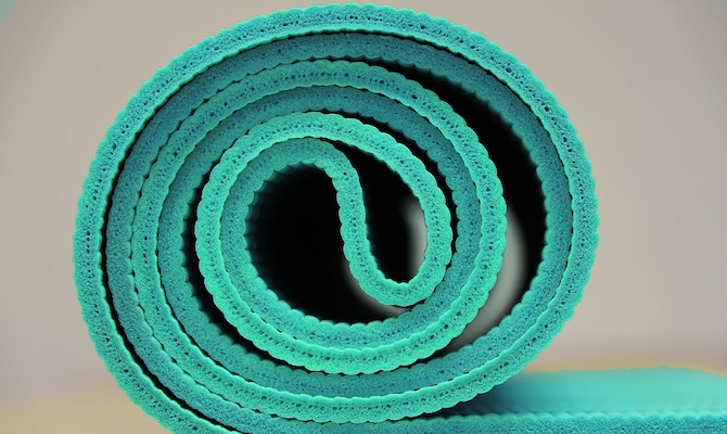 blue-yoga-mat-2.jpg