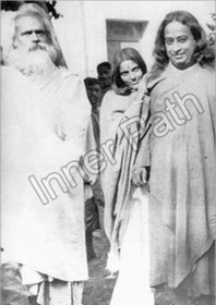 Anandamayi Ma Photo - With Yogananda in Calcutta - 5x7 sepia