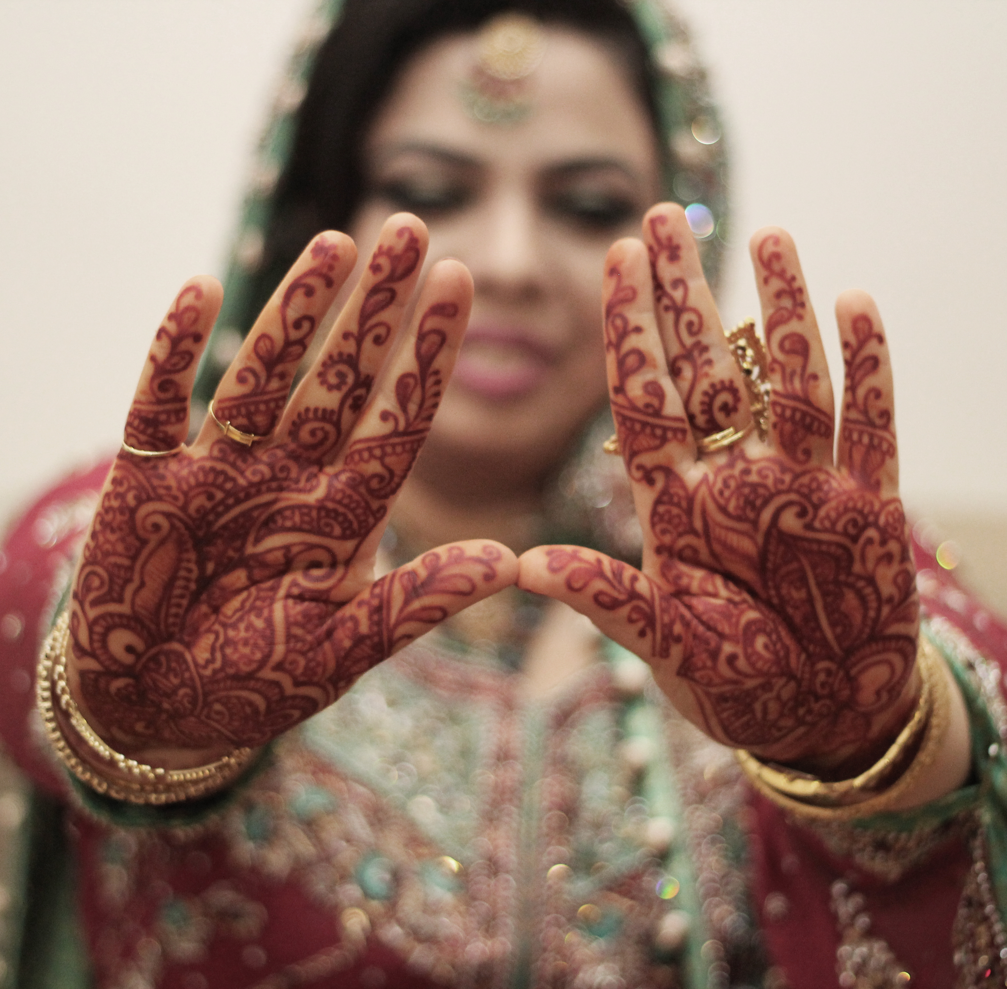 amber-indian-bridal-henna-silknstone.jpg