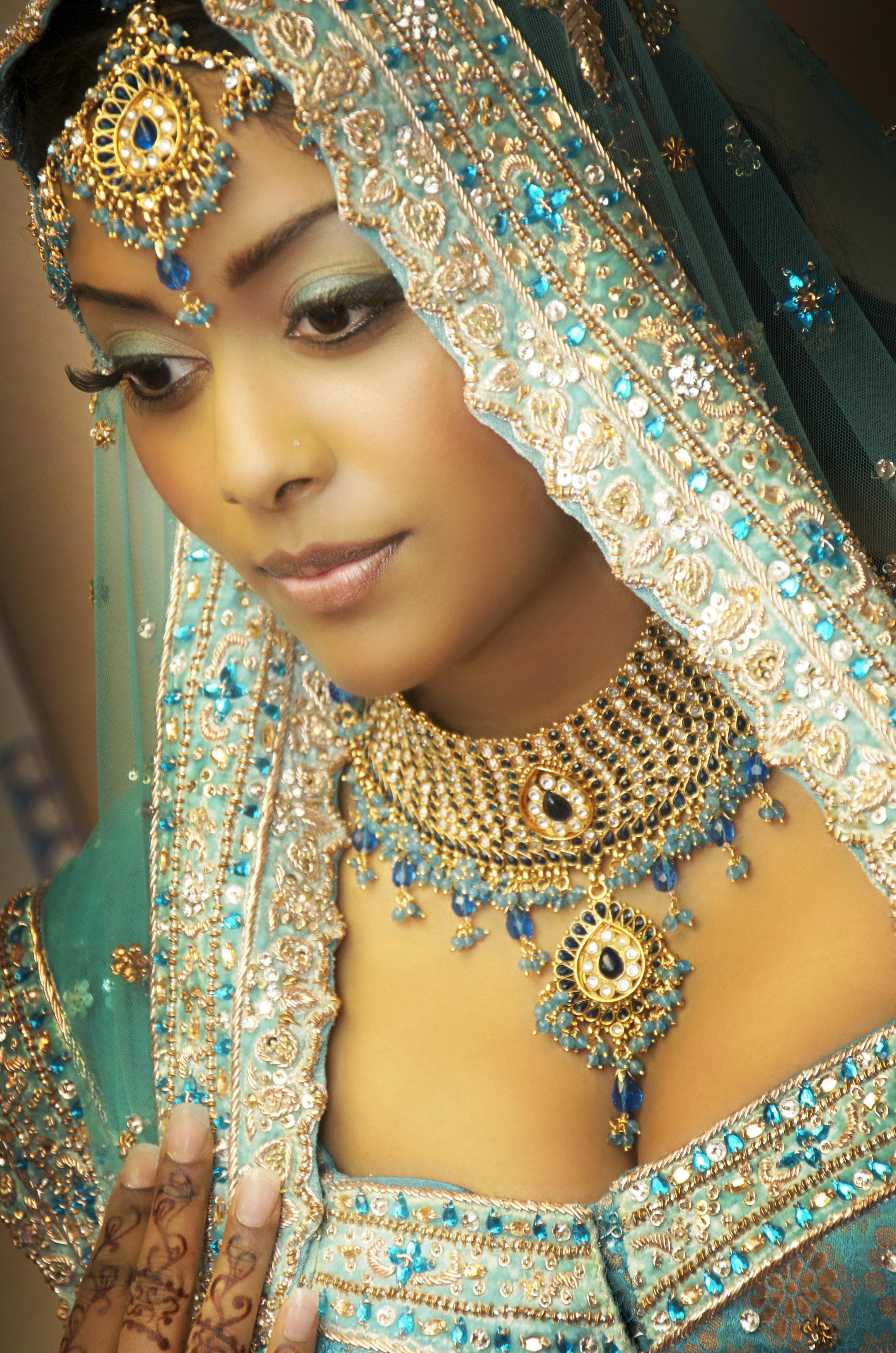 niki-dirk-wedding-makeup_henna