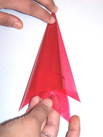 rolling-a-henna-cone.jpg