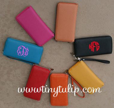 Monogrammed Zipper Wristlet Wallet  www.tinytulip.com