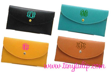Monogrammed Snap Credit Card Wallet   www.tinytulip.com