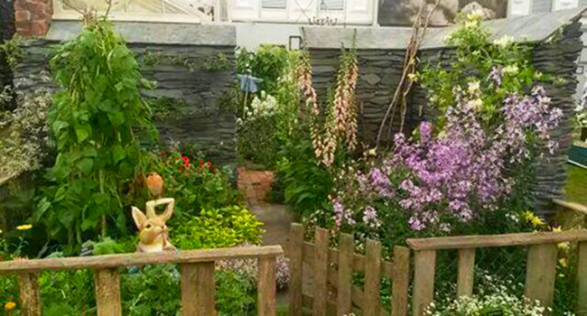 Hooksgreen herbs gold medal at the chelsea flower show for Indoor gardening expo 2014