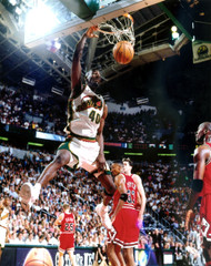 16x20 Photo #4 to be signed by Shawn Kemp