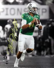 Marcus Mariota Autographed 16x20 Photo Oregon Ducks MM Holo Stock #89223