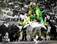 "Marcus Mariota Autographed 16x20 Photo Oregon Ducks ""Heisman '14"" MM Holo Stock #89885"