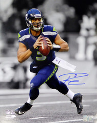 Russell Wilson Autographed 16x20 Photo Seattle Seahawks RW Holo Stock #113665