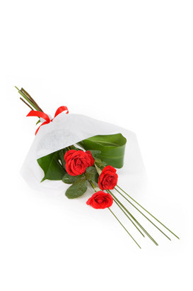 Three red roses that can be delivered anywhere in Italy.