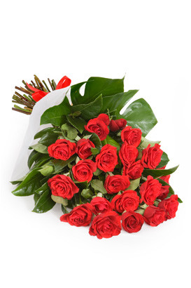 24 Red roses for delivery in Italy nationwide.