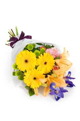 Mixed colors hand tied bouquet flower delivery Italy.