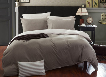 4 Piece Jersey Duvet Cover Set 100% Cotton Fitted Sheet Included - Solid Light Brown