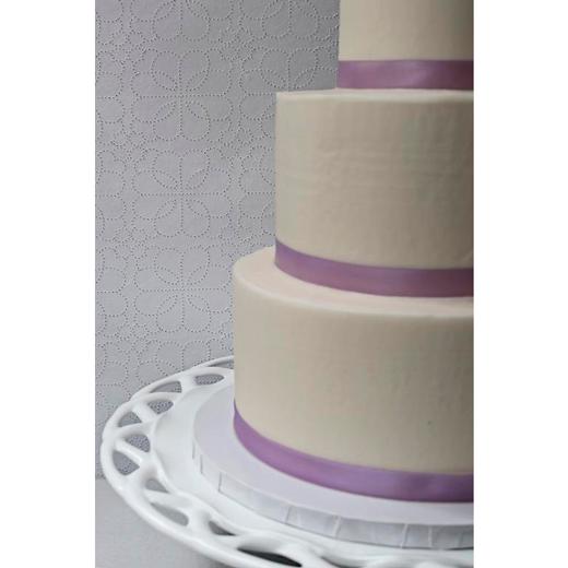 """White Cake """"Ribbon"""""""