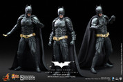 Hot Toys - TDKR - Batman Armory with Batman