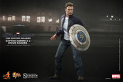 Hot Toys - Captain America - Steve Rogers and Captain America Set
