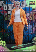 Hot Toys - Suicide Squad - Harley Quinn (Prisoner Version)