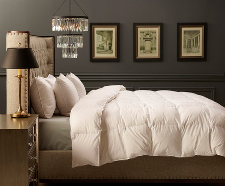 Luxury goose down comforter