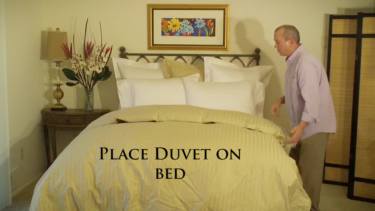 How to make your luxury bed with a coverlet or matelass for How to cover a bed
