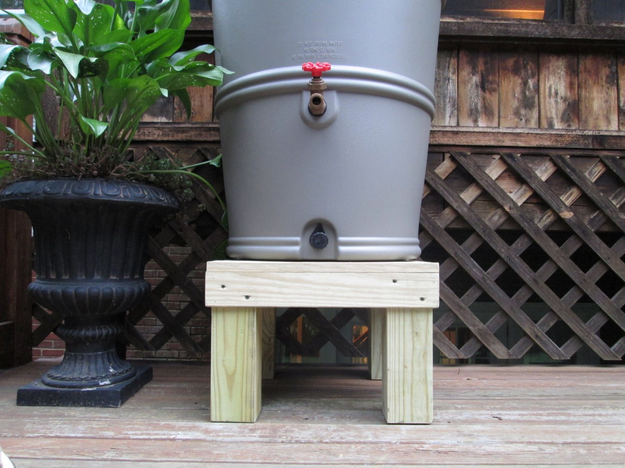 rain barrel stand, wooden rain barrel stand, chesapeake rain barrel stand