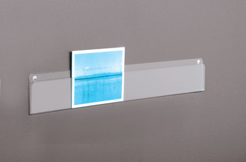 Display your greeting cards, postcards, gift cards and other materials with these lightweight, affordable trade show strips.