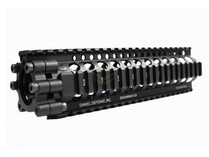 "Madbull Daniel Defense 9"" Lite Rail Black"