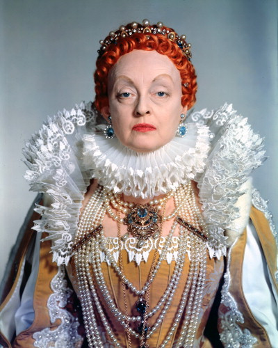 Picture of Bette Davis in The Virgin Queen