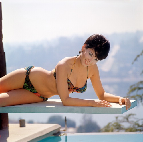 Picture of Yvonne Craig