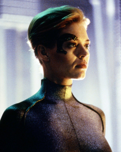 Picture of Jeri Ryan in Star Trek: Voyager