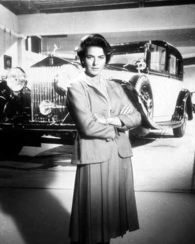 Picture of Ingrid Bergman in The Yellow Rolls-Royce