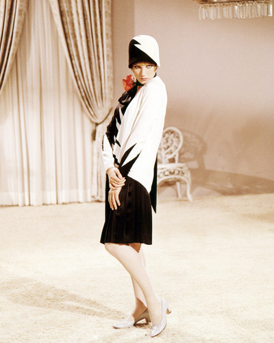 Picture of Julie Andrews in Thoroughly Modern Millie