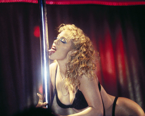 Picture of Elizabeth Berkley in Showgirls