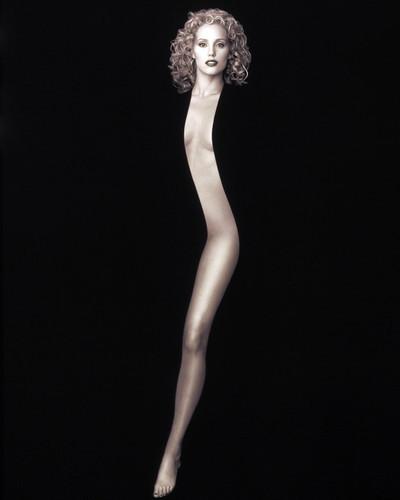 Picture of Elizabeth Berkley in Showgirls
