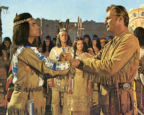 Picture of Pierre Brice in Winnetou und das Halbblut Apanatschi