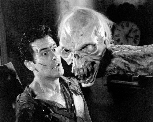 Picture of Bruce Campbell in Army of Darkness