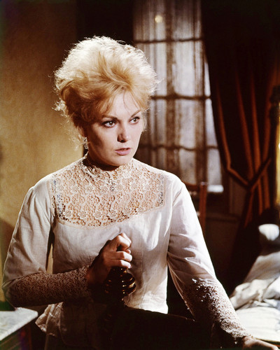 Picture of Kim Novak in Kiss Me, Stupid